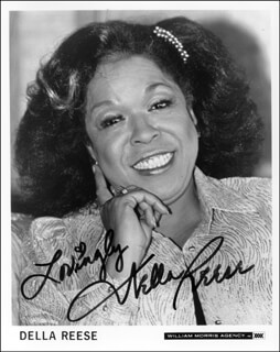 DELLA REESE - AUTOGRAPHED SIGNED PHOTOGRAPH