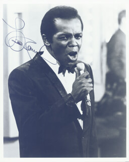 LOU RAWLS - AUTOGRAPHED SIGNED PHOTOGRAPH