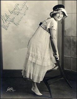 BESSIE LOVE - AUTOGRAPHED SIGNED PHOTOGRAPH