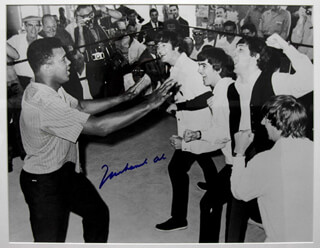 MUHAMMAD THE GREATEST ALI - AUTOGRAPHED SIGNED PHOTOGRAPH  - HFSID 265831