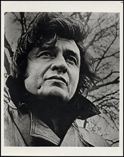 JOHNNY CASH - AUTOGRAPHED SIGNED PHOTOGRAPH  - HFSID 265851