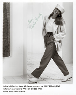 Autographs: CHRISTIE BRINKLEY - PHOTOGRAPH SIGNED