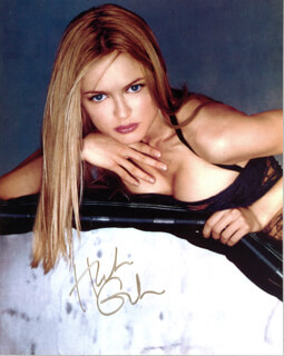 HEATHER GRAHAM - AUTOGRAPHED SIGNED PHOTOGRAPH