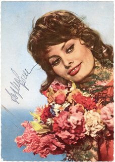SOPHIA LOREN - PICTURE POST CARD SIGNED