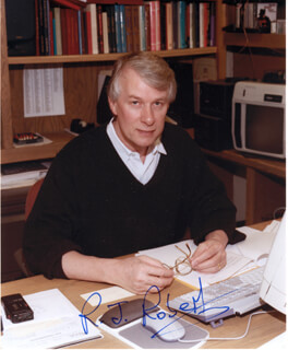Autographs: RICHARD J. ROBERTS - PHOTOGRAPH SIGNED