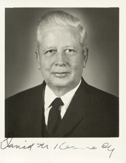 DAVID M. KENNEDY - AUTOGRAPHED SIGNED PHOTOGRAPH