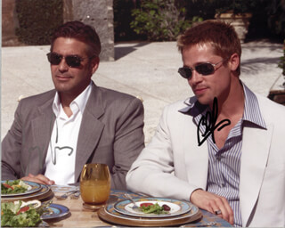 OCEANS ELEVEN MOVIE CAST (2001) - AUTOGRAPHED SIGNED PHOTOGRAPH CO-SIGNED BY: GEORGE CLOONEY, BRAD PITT