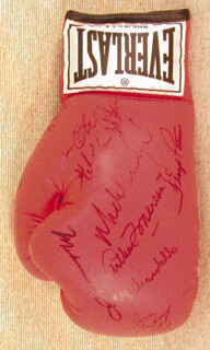 Autographs: MUHAMMAD THE GREATEST ALI - BOXING GLOVE SIGNED CO-SIGNED BY: BOB THE DEPUTY SHERIFF FOSTER, MICHAEL SPINKS, JOE SMOKIN JOE FRAZIER, SEAN O'GRADY, FLOYD PATTERSON, MICHAEL CARBAJAL, JOEY GIARDELLO, GIL CLANCY, ARTHUR MERCANTE, IRAN THE BLADE BARKLEY