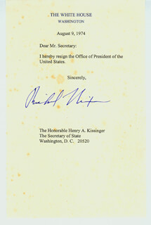 Autographs: PRESIDENT RICHARD M. NIXON - TYPESCRIPT SIGNED 08/09/1974