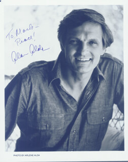 Autographs: ALAN ALDA - INSCRIBED PHOTOGRAPH SIGNED