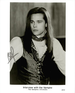 BRAD PITT - AUTOGRAPHED SIGNED PHOTOGRAPH