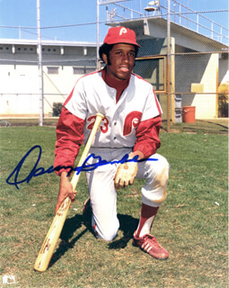 OSCAR GAMBLE - AUTOGRAPHED SIGNED PHOTOGRAPH