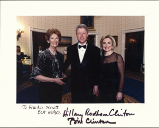 Autographs: PRESIDENT WILLIAM J. BILL CLINTON - INSCRIBED PHOTOGRAPH SIGNED 02/07/1998 CO-SIGNED BY: FIRST LADY HILLARY RODHAM CLINTON