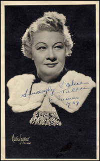 SOPHIE TUCKER - AUTOGRAPHED INSCRIBED PHOTOGRAPH 1939