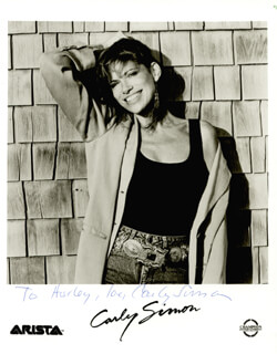 CARLY SIMON - AUTOGRAPHED INSCRIBED PHOTOGRAPH