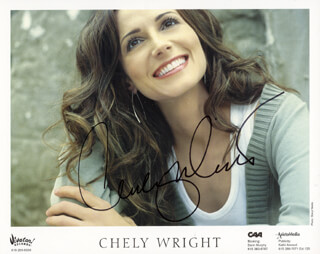 CHELY WRIGHT - AUTOGRAPHED SIGNED PHOTOGRAPH