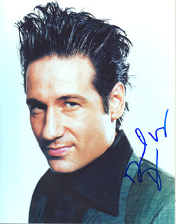 DAVID DUCHOVNY - AUTOGRAPHED SIGNED PHOTOGRAPH