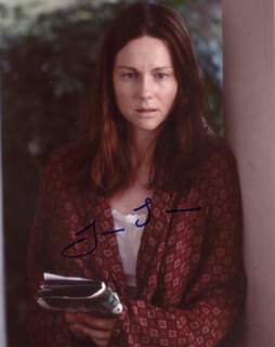 LAURA LINNEY - AUTOGRAPHED SIGNED PHOTOGRAPH