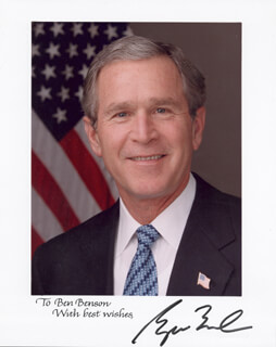 PRESIDENT GEORGE W. BUSH - AUTOGRAPHED INSCRIBED PHOTOGRAPH  - HFSID 270007