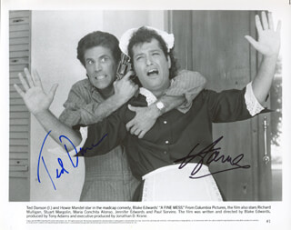 Autographs: A FINE MESS MOVIE CAST - PHOTOGRAPH SIGNED CO-SIGNED BY: TED DANSON, HOWIE MANDEL