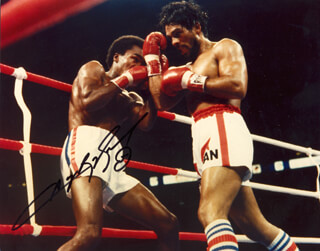 RAY SUGAR RAY LEONARD - AUTOGRAPHED SIGNED PHOTOGRAPH