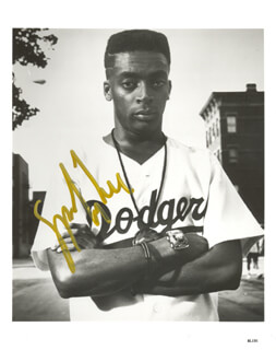 SPIKE LEE - AUTOGRAPHED SIGNED PHOTOGRAPH