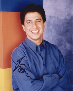 RAY ROMANO - AUTOGRAPHED SIGNED PHOTOGRAPH