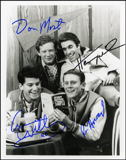 HAPPY DAYS TV CAST - AUTOGRAPHED SIGNED PHOTOGRAPH CO-SIGNED BY: DONNY MOST, ANSON WILLIAMS, RON HOWARD, HENRY THE FONZ WINKLER