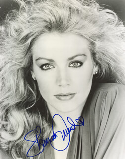 SHANNON TWEED - AUTOGRAPHED SIGNED PHOTOGRAPH