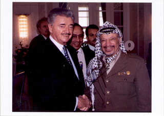 PRESIDENT YASSER ARAFAT (PALESTINIAN NATIONAL AUTHORITY) - AUTOGRAPHED SIGNED PHOTOGRAPH
