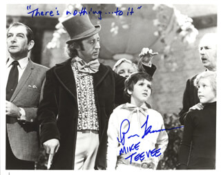 PARIS THEMMEN - AUTOGRAPHED SIGNED PHOTOGRAPH