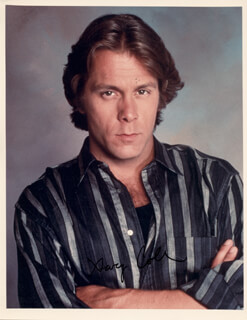 GARY COLE - AUTOGRAPHED SIGNED PHOTOGRAPH