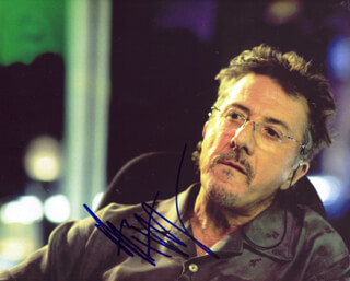 DUSTIN HOFFMAN - AUTOGRAPHED SIGNED PHOTOGRAPH