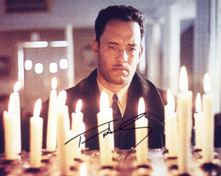 TOM HANKS - AUTOGRAPHED SIGNED PHOTOGRAPH