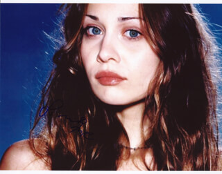 Autographs: FIONA APPLE - PHOTOGRAPH SIGNED