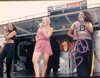 SPICE GIRLS (MELANIE JANINE SCARY SPICE BROWN) - AUTOGRAPHED SIGNED PHOTOGRAPH