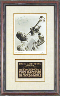 Autographs: LOUIS SATCHMO ARMSTRONG - INSCRIBED PHOTOGRAPH SIGNED
