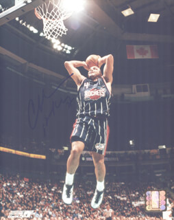 Autographs: CHARLES SIR CHARLES BARKLEY - PHOTOGRAPH SIGNED