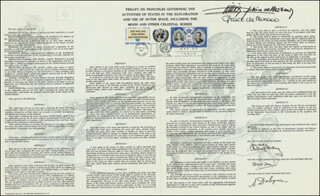 PRINCE RAINIER III & PRINCESS GRACE (MONACO) - COMMEMORATIVE SHEET WITH FIRST DAY CANCELLATION CO-SIGNED BY: PRINCE RAINIER III (MONACO), PRINCESS GRACE KELLY (MONACO)
