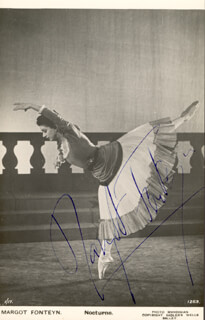 DAME MARGOT FONTEYN - AUTOGRAPHED SIGNED PHOTOGRAPH
