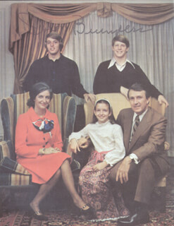 Autographs: GOVERNOR DALE BUMPERS - MAGAZINE PHOTOGRAPH SIGNED CIRCA 1973