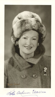 LILA ACHESON (MRS. DEWITT) WALLACE - AUTOGRAPHED SIGNED PHOTOGRAPH