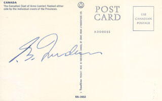 Autographs: PRIME MINISTER PIERRE E. TRUDEAU (CANADA) - PICTURE POST CARD SIGNED