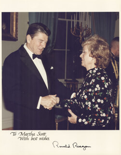 PRESIDENT RONALD REAGAN - AUTOGRAPHED SIGNED PHOTOGRAPH CIRCA 1983