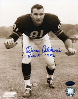 Autographs: DOUG ATKINS - PHOTOGRAPH SIGNED