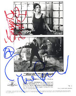 THE WORLD IS NOT ENOUGH MOVIE CAST - AUTOGRAPHED SIGNED PHOTOGRAPH CO-SIGNED BY: PIERCE BROSNAN, DENISE RICHARDS