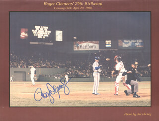 BOSTON RED SOX - PROGRAM SIGNED CO-SIGNED BY: DWIGHT DEWEY EVANS, ROGER CLEMENS - HFSID 275266