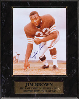 JIM BROWN - AUTOGRAPHED SIGNED PHOTOGRAPH