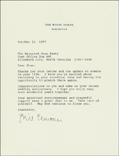 PRESIDENT WILLIAM J. BILL CLINTON - TYPED LETTER SIGNED 10/21/1997