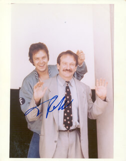 TIM ROBBINS - AUTOGRAPHED SIGNED PHOTOGRAPH
